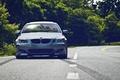 Картинка дорога, тюнинг, бмв, автомобиль, спереди, пятёрка, BMW 5 Series