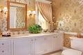 Картинка интерьер, свечи, зеркало, ванна, светильник, роскошь, шкафы