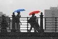 Картинка raining, umbrella, walking, people, bridge