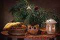 Картинка ветки, фонарь, фрукты, новый год, сосна, лемур, корзинка, украшения, праздник, стол, игрушка, салфетка
