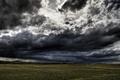 Картинка поле, облака, мрак