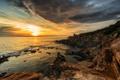 Картинка море, закат, камни, скалы, побережье, Италия