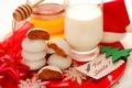 Картинка holiday, молоко, снежинки, торты, Christmas, красивая, мед, Санта, красный, cool, honey, милая, lovely, nice, хорошо, ...