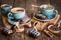 Картинка натюрморт, кофейные зёрна, кофе, эклеры
