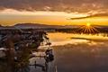 Картинка лодка, горы, British Columbia, дома, Maple Ridge, Canada, озеро, канада, солнце, небо, закат
