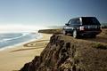 Картинка rocks, автомобили с машинами, берег, beach, машины, range rover, песок, море, cars, вода, океан, скалы, ...