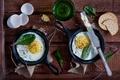 Картинка яичница, крекеры, зелень