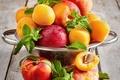 Картинка персики, нектарины, листья мяты, Абрикосы