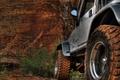 Картинка Jeep, джип, колеса, песок, горы, скалы