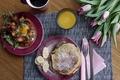 Картинка цветы, блины, яичница, завтрак, сок, тюльпаны