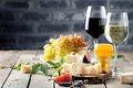 Картинка вино, сыр, бокалы, мед, виноград, honey, wine, grapes, cheese, инжир
