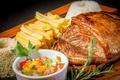 Картинка мясо, розмарин, аппетитно, картошка-фри
