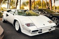 Картинка Lamborghini, ламборгини, supercar, Countach, белый, астон мартин, aston martin, parking, суперкар, white, black, черный, vantage ...