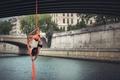 Картинка поза, мост, девушка