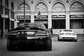 Картинка здание, Aston Martin, dbs, астон мартин, белый, дбс, building, white, black, черный, db9, back, дб9