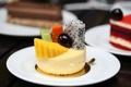 Картинка ягоды, пирожные, фрукты, десерт, сладкое, тарелки
