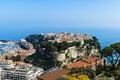 Картинка Монако, вид сверху, причалы, дома, побережье, город, море, скалы, горизонт