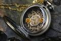 Картинка камень, ключ, циферблат, цепочка, часы