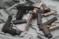 Картинка оружие, обоймы, пистолеты