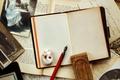 Картинка vintage, ретро, ручка, брусок, блокнот, сепия, фотографии, винтаж