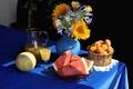 Картинка цветы, стол, букет, арбуз, сок, ваза, кувшин, натюрморт, дыня, абрикосы