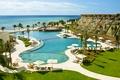 Картинка океан, пальмы, бассейн, отель