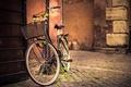 Картинка цветы, велосипед, стена, дорога, корзина, брусчатка