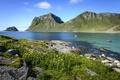 Картинка горы, озеро, камни, лодки, Норвегия, Lofoten Islands