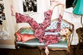 Картинка Aitken Jolly, фотосессия, Elle Fanning, торшер, Эль Фаннинг, костюм, подушки, The Sunday Times Style, модель, ...