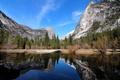 Картинка осень, лес, горы, озеро, отражение, камни, скалы