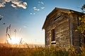 Картинка sunrise, grass, old house