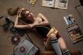 Картинка девушка, телефон, на полу, Анастасия Щеглова, фотограф Maxim Guselnikov